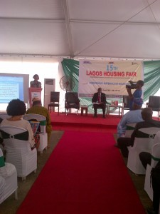 Audrey Obiyan, presenting the research statement to urban stakeholders in Lagos